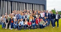 Alumni und Studierende der Vertiefungsrichtung Industrielles Dienstleistungsmanagement im Studiengang Handels- und Dienstleistungsmanagement